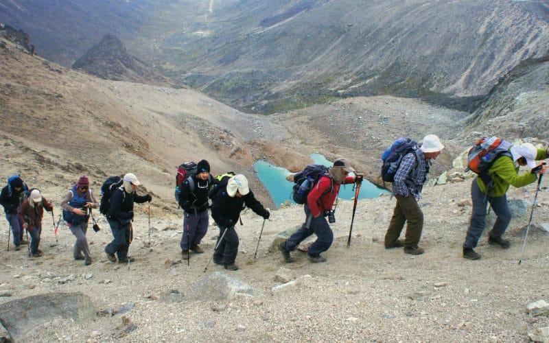 מטיילים עושים טיול מסלול טרק טיפוס לקילימנג׳רו